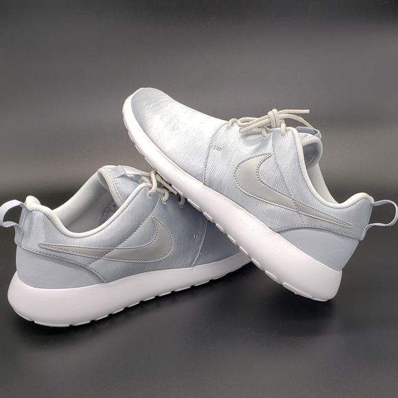 half off 385f4 75023 New! Nike Roshe One PRM Shoes Silver White Sz 7.5 NWT